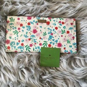 New Kate Spade ♠️ Wallet 💕